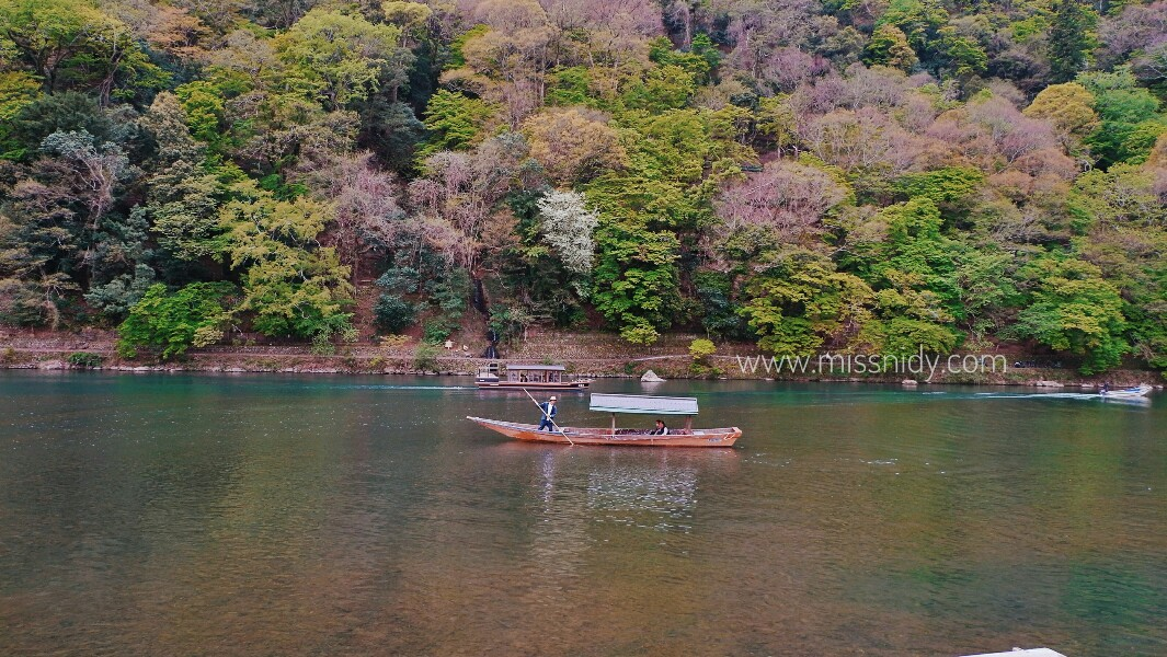 boat reantal in arashiyama