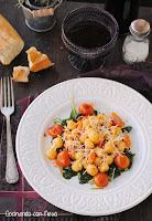 Gnochiss con espinacas y tomates cherrys