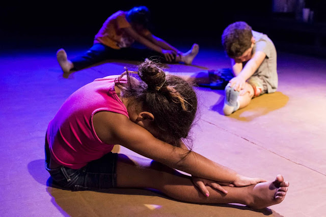 Teatro do Incêndio promove oficina livre de teatro e artes integradas para jovens e crianças na Bela Vista