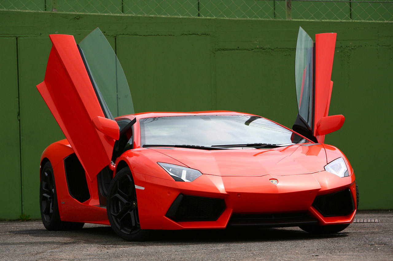Luxury Lamborghini Cars: 2012 Lamborghini Aventador Roadster