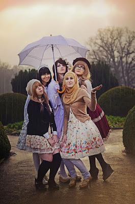Cewek Hijab Pakai Dress Lolita 90an Cewek Hijab Pakai Dress Lolita 90s