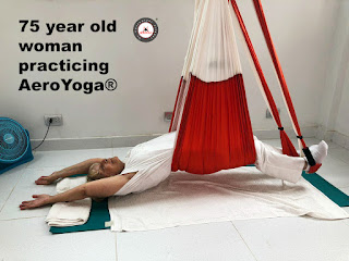 yoga aereo, aeroyoga, restaurativo, yoga, pilates, fitness, air yoga, fly, flying, trapeze, swing, restaurative, gravity, anti, age, gravedad, rafael martinez, teacher training.