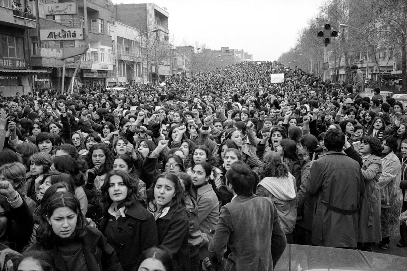 The day 100,000 Iranian women protested the headscarf.