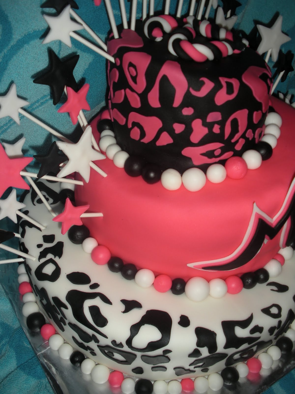 Beachy Cakes Cheetah Print 21st Birthday Cake