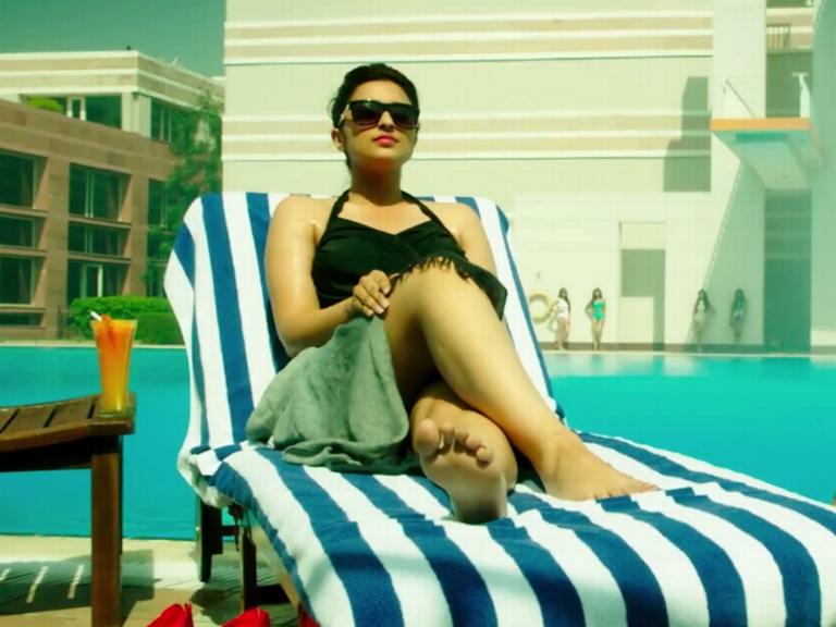 Parineeti Chopra Hot Bikini Images In Movie Kill Dill - Hot4Sure-3450