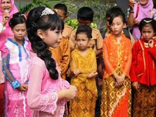 Contoh Kebaya Anak Perempuan untuk Hari Kartini