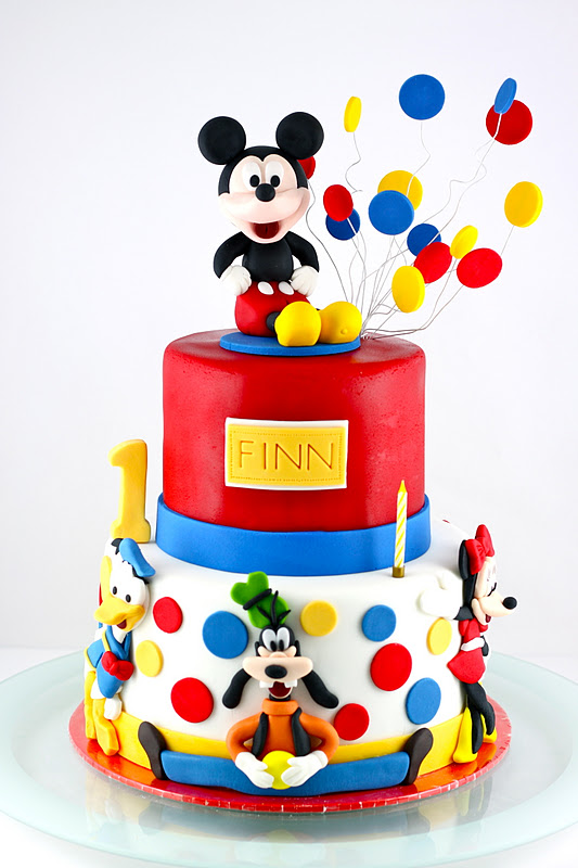 Sweet Art Cakes By Milbre 233 Moments Finnegan Cole S Mickey