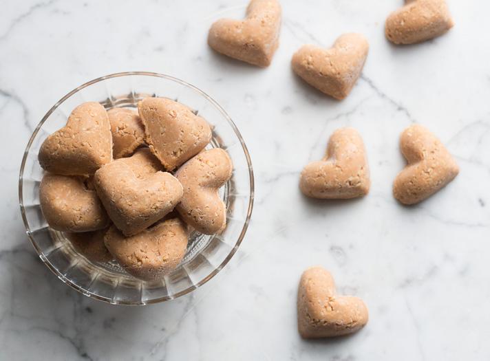 17 apart no bake dog treats sweet potato peanut butter for Easy sweet treats with peanut butter