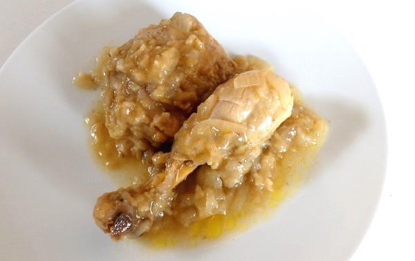 Pollo guisado al estilo de Oliva