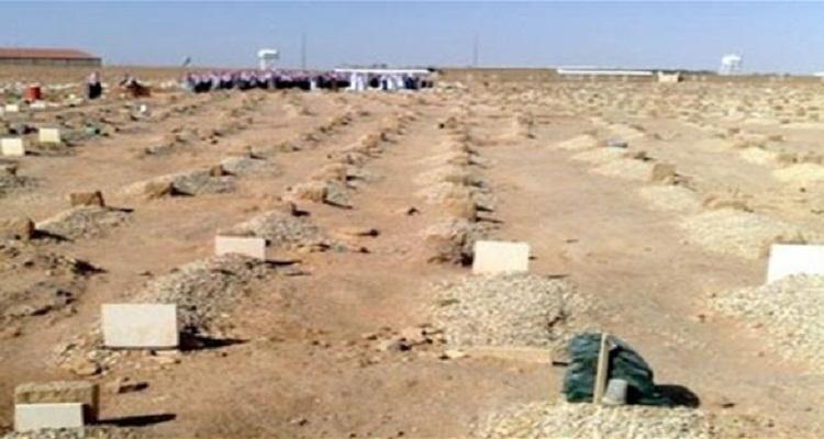 سعودي يسقط ميتاً في قبر والدته لحظة إدخال جثمانها في مثواها الأخير
