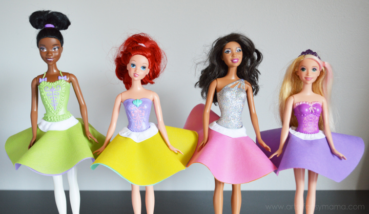 Easy Reversible Barbie Skirts at artsyfartsymama.com #fashion #Barbie