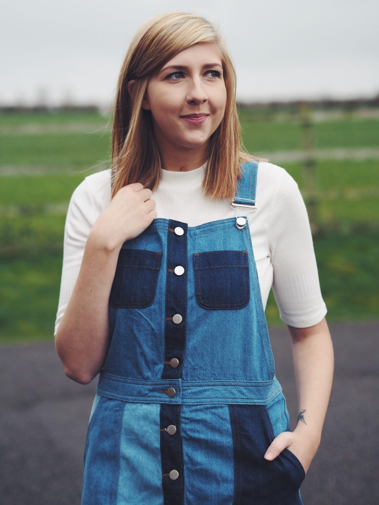 newlook, ASOS, patchworkdenim, denimpinafore, dungarees, wiw, whatimwearing, lotd, lookoftheday, asseenonme, fbloggers, fblogger, fashionblogger, fashionbloggers, ootd, outfitoftheday