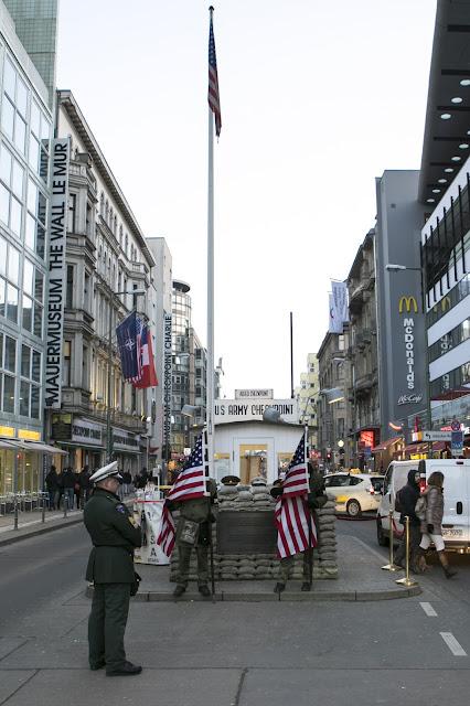 Check point Charlie-Berlino