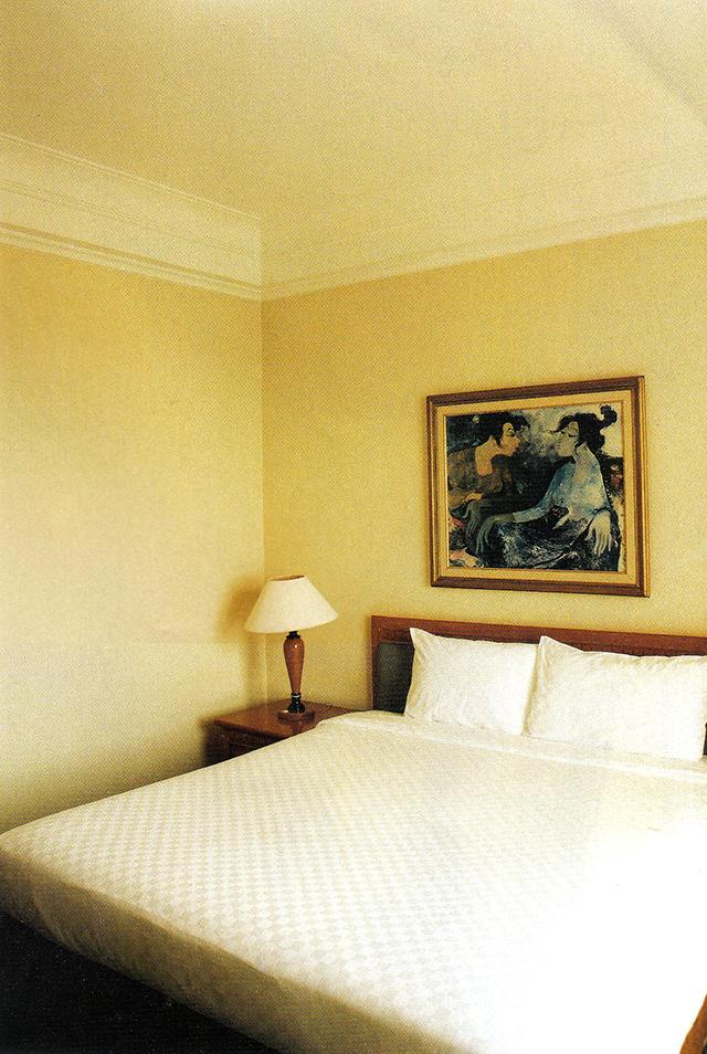 Lukisan di Ruang Tidur Utama