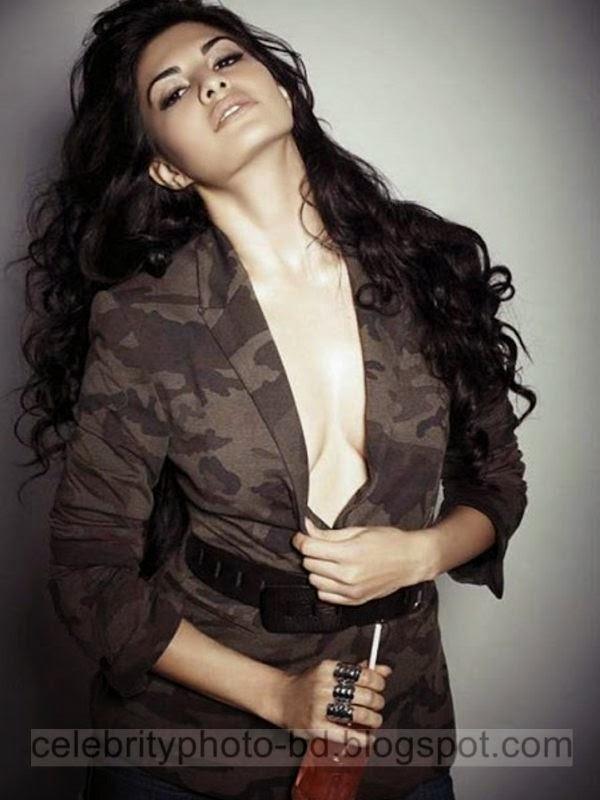 Super Hottest Actress Jacqueline Fernandez New HD Photos And Wallpaper 2014