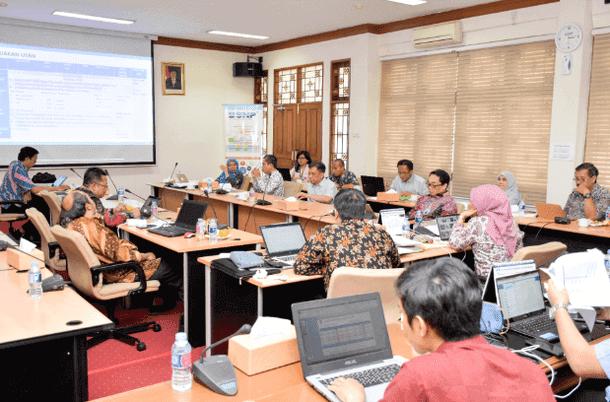 Rapat koordinasi evaluasi dan persiapan pelaksanaan UN dan USBN di ruang Sidang BSNP