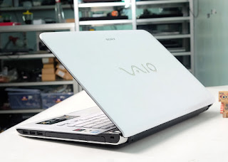 Jual Laptop bekas Sony aio SVE14131CVW