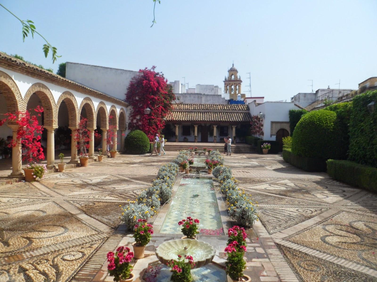 ¡Penúltimo! : Patios del Palacio de Viana