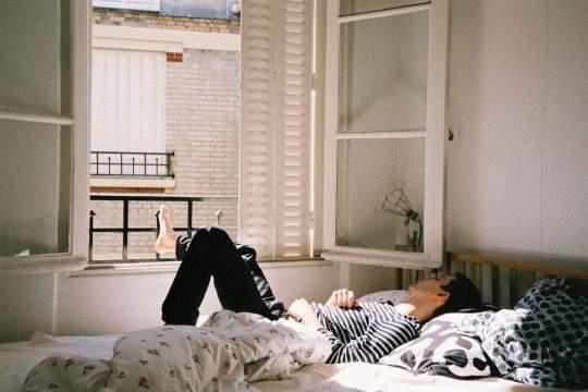 Yêu xa, yêu gần thì chỉ cần trân trọng nhau sẽ hạnh phúc - Ảnh 2