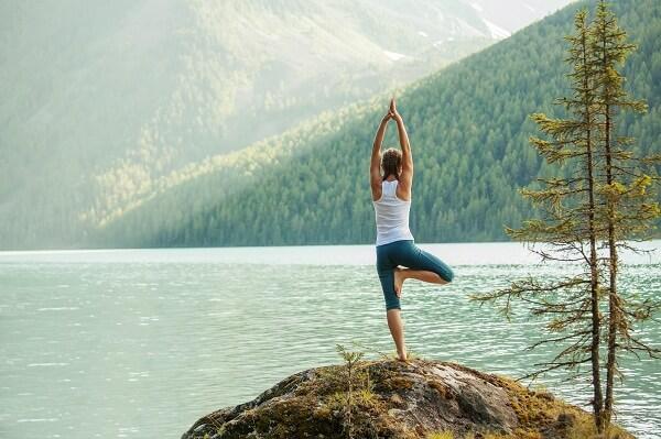 Gerakan Yoga Vrksasana Anekaragamsehat