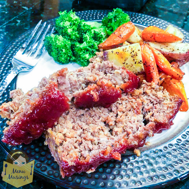 Easy Family Favorite Meatloaf _menumusings.com