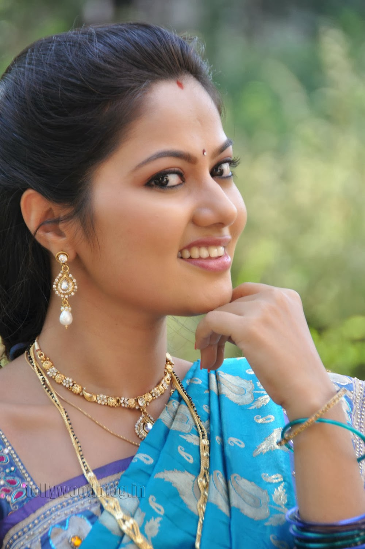 Actress Suhasini Latest Photo Shoot Gallery