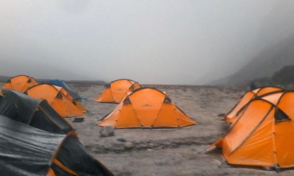 Trekking Tents of trekkers in Himalaya