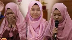 Diberangkatkan Haji dan Diangkat Anak Oleh Ulama Mekkah, Gadis Ini Bikin Harum Nama Indonesia