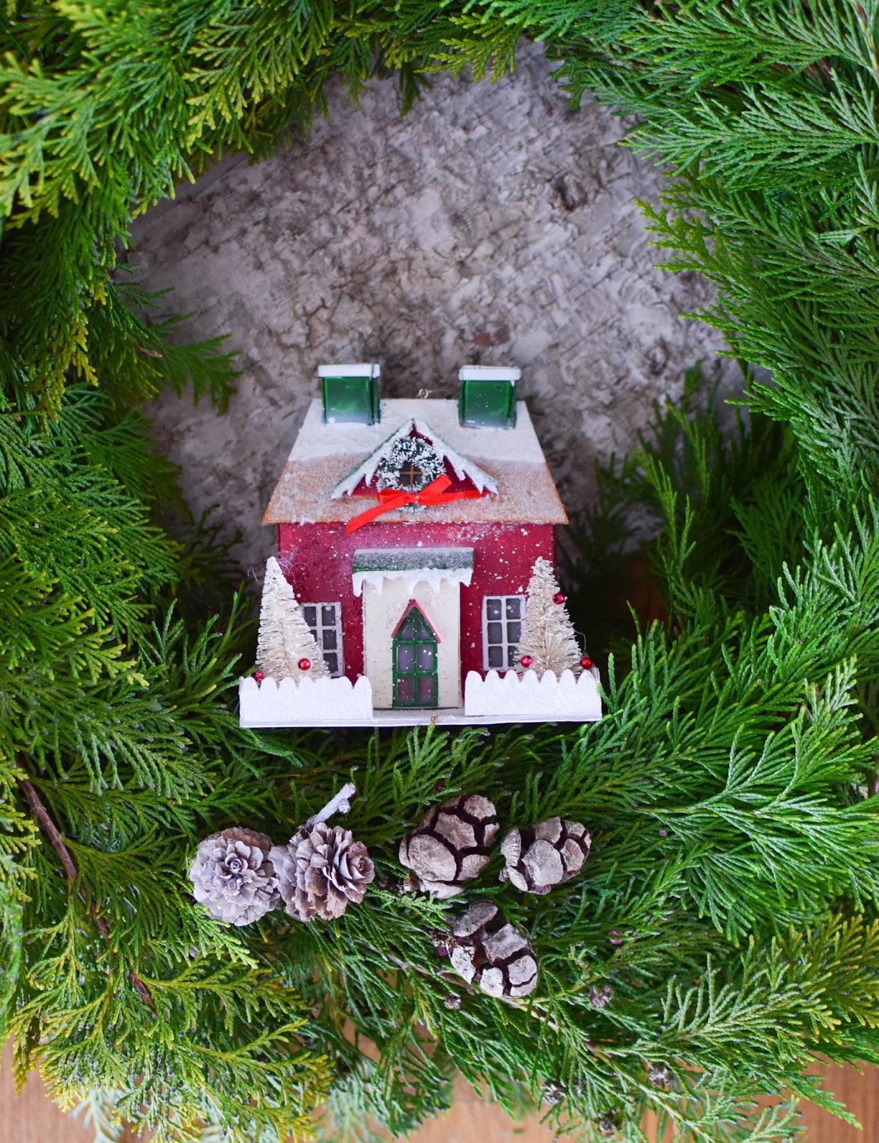 DIY Kranz selbstgemacht einfach und schnell mit Thuja und Zapfen und Sterne Kränze Strohkränze selber machen wreath