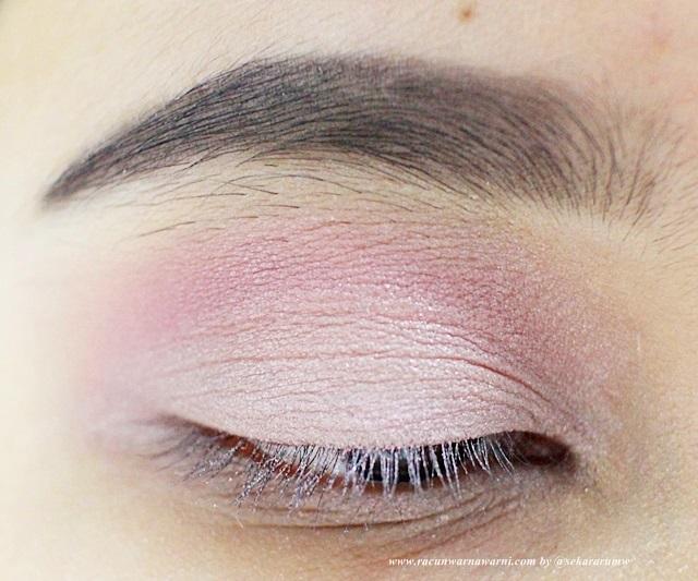 Menggunakan Shimmery Baby Pink