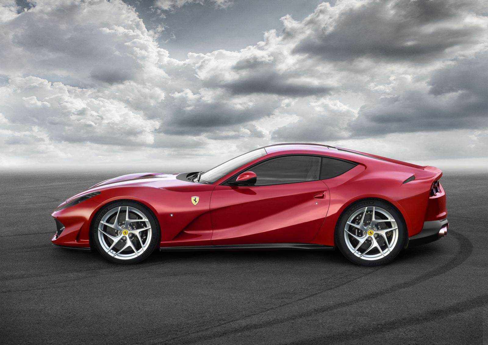 [Imagen: Ferrari%2B812%2BSuperfast%2B-2.jpg]