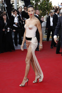 Adriana Lima wearing a bra tanktop 5.jpg