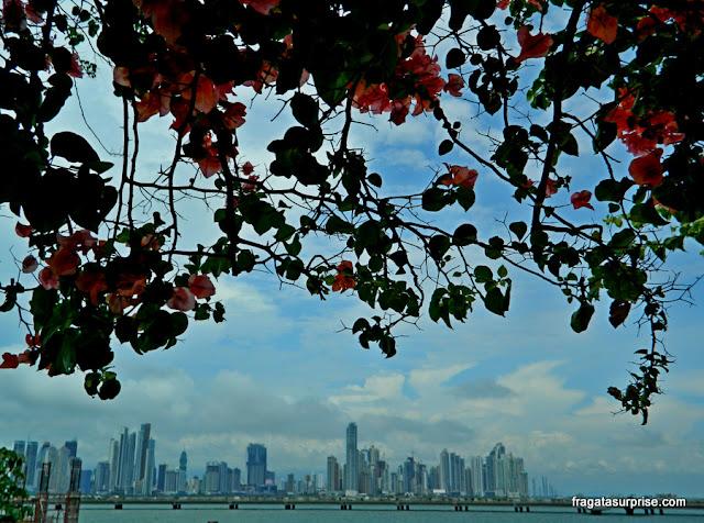 A Cidade do Panamá vista das muralhas do Casco Viejo
