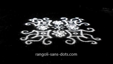 small-muggu-with-dots-97ac.jpg