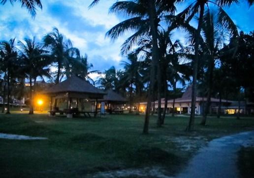 Pantai Lagoi malam hari