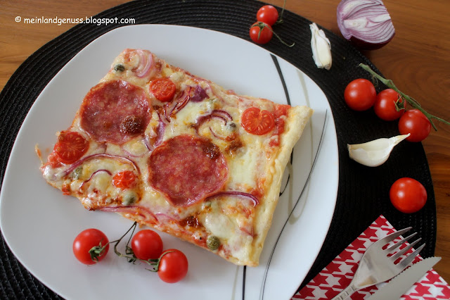 "Pizza ""in red"""