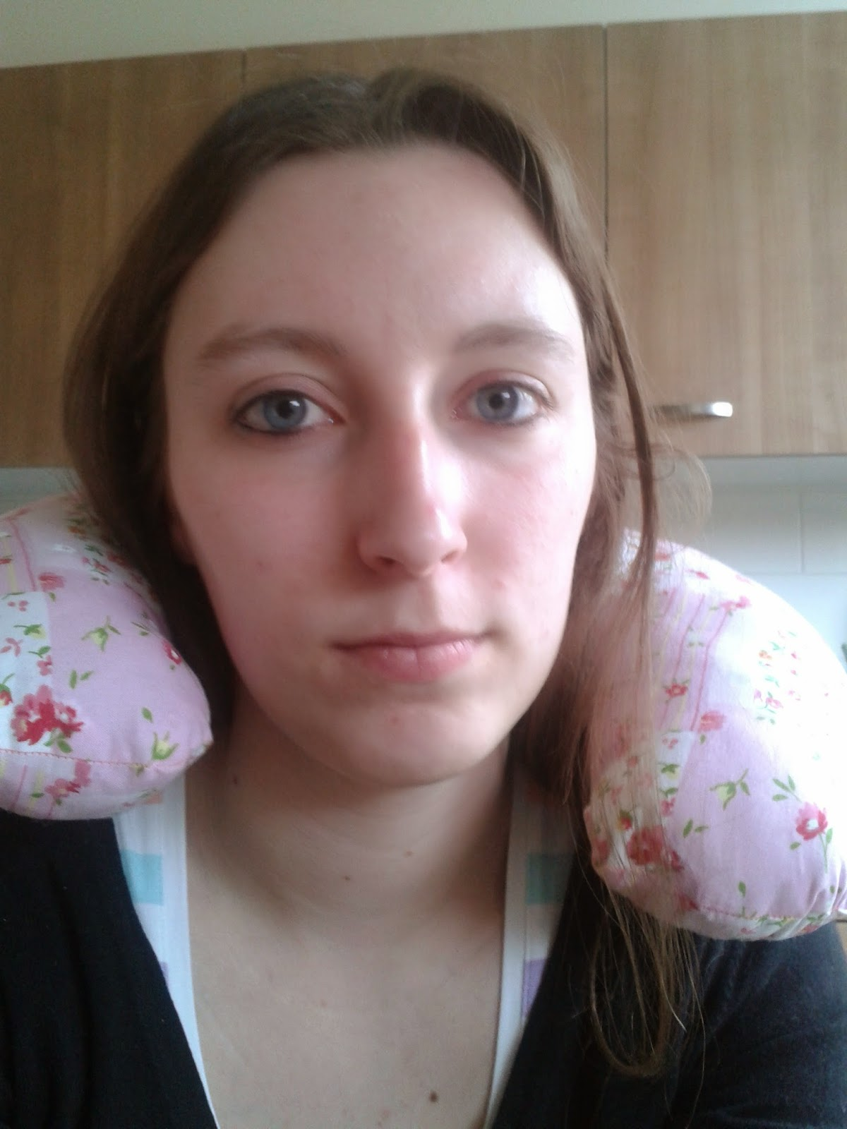 2014 04 03+18.03.12 - Travel pillow maken!