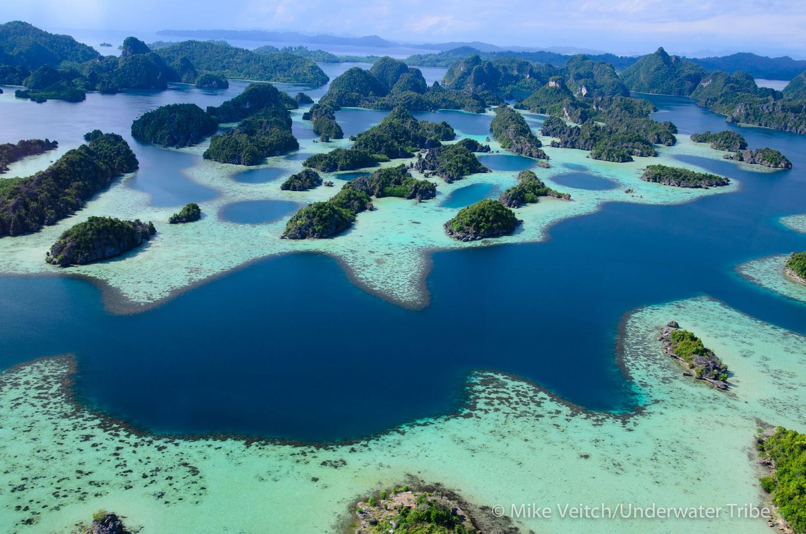 wilayah indonesia timur segera saja menjadi destinasi favorit para pelancong karena keeksotisan pantai pantainya berikut rekomendasi 5 wisata