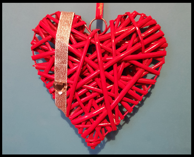 Creating a little love decor thanks to bargain wicker hearts from B&Q