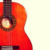 Guitarra flamenca famosa por los músicos españoles flamenquitas
