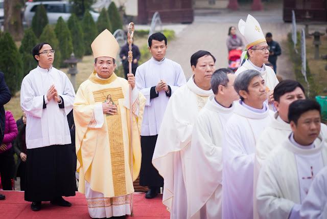 Lễ truyền chức Phó tế và Linh mục tại Giáo phận Lạng Sơn Cao Bằng 27.12.2017 - Ảnh minh hoạ 59