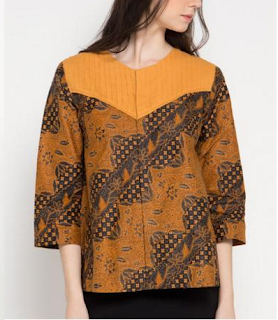 Model kedua Baju Batik Atasan Wanita Lengan Panjang
