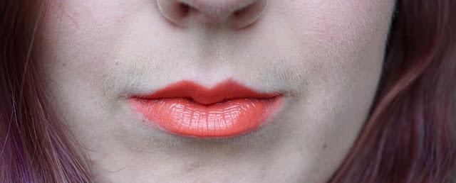 mac-vegas-volt-lipstick