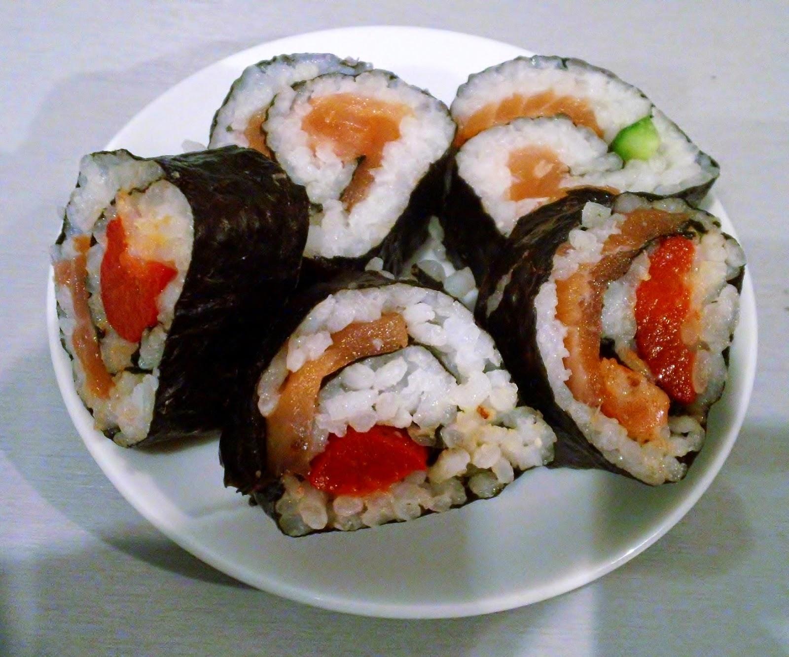 Homemade Sushi using Yutaka Sushi Kit, Yukata Sushi Kit, Salmon Sushi, Sushi at Home