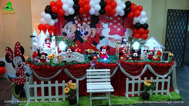 Decoração Minnie Mouse vermelha - Mesa decorada tradicional forrada de tecido para festa infantil