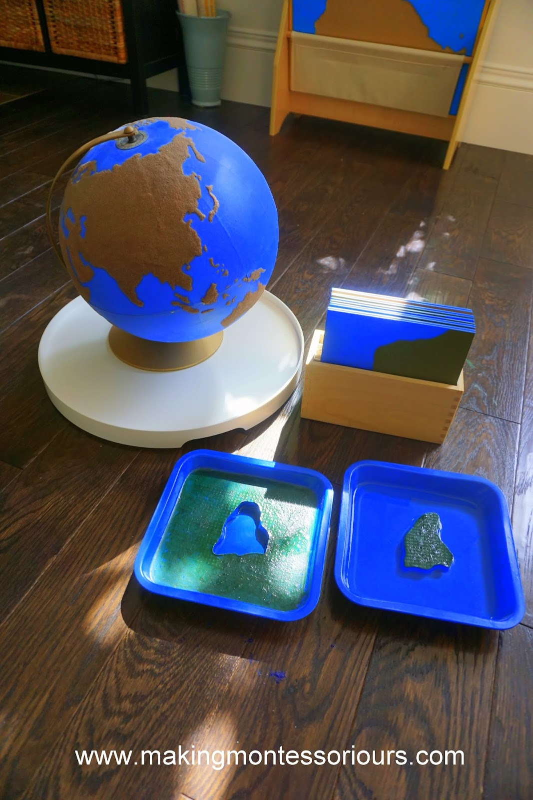 Montessori Land Amp Water Forms Globe Amp 3 Part Cards