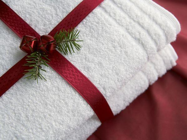 полотенце, из полотенца, полотенце в подарок, упаковка полотенец, текстиль, подарки текстильные, десерты текстильные, торт из полотенец, пирожное из полотенец, рулет из полотенец, упаковка подарков, подарки на 8 марта, подарки на 23 февраля, подарки на День влюбленных, полотенце красиво, фигурки из полотенец, http://prazdnichnymir.ru/ Махровое чудо в подарок. Красивая упаковка полотенец