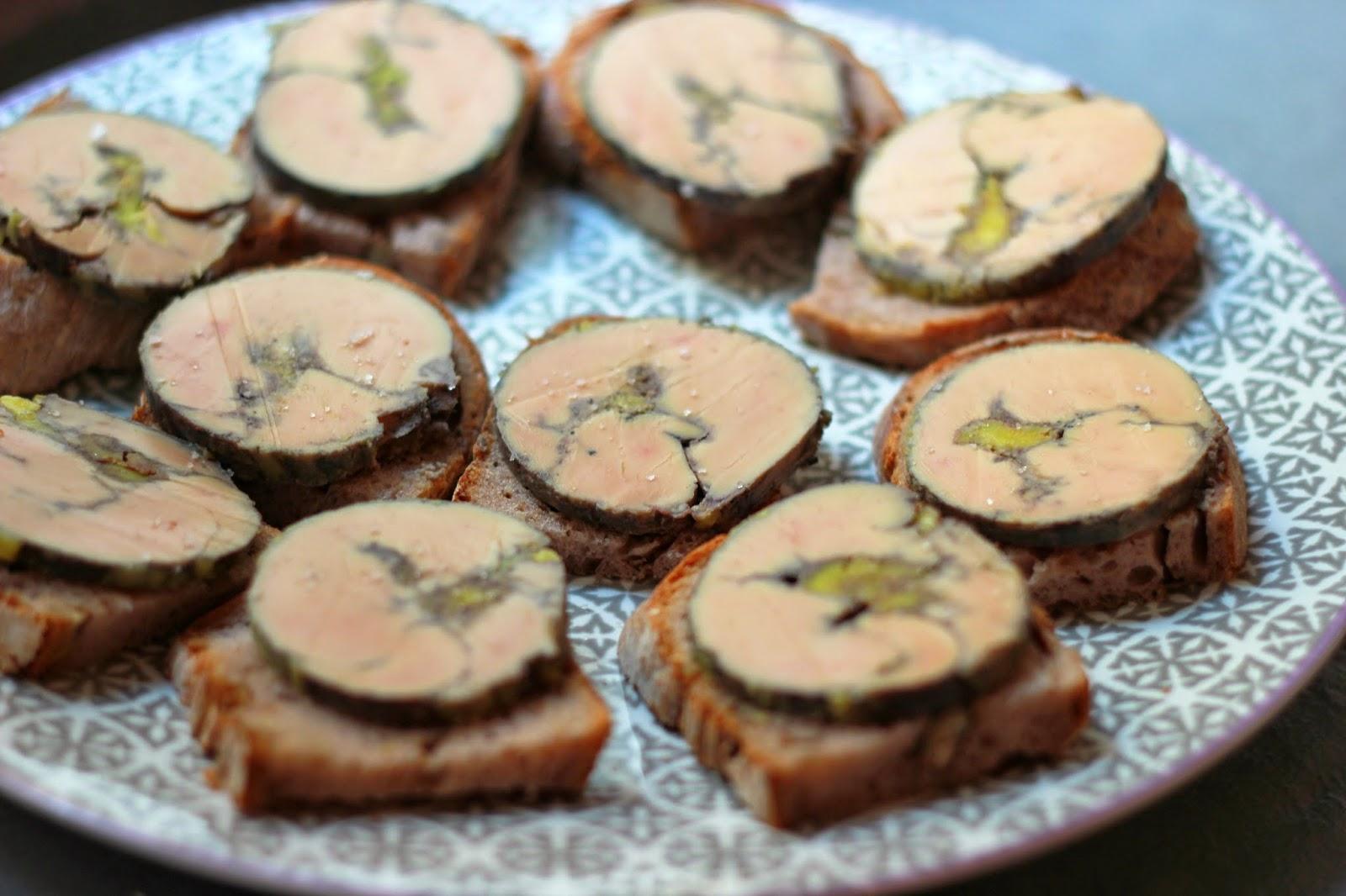 foie gras au vin rouge et gingembre cuisson vapeur camelie. Black Bedroom Furniture Sets. Home Design Ideas