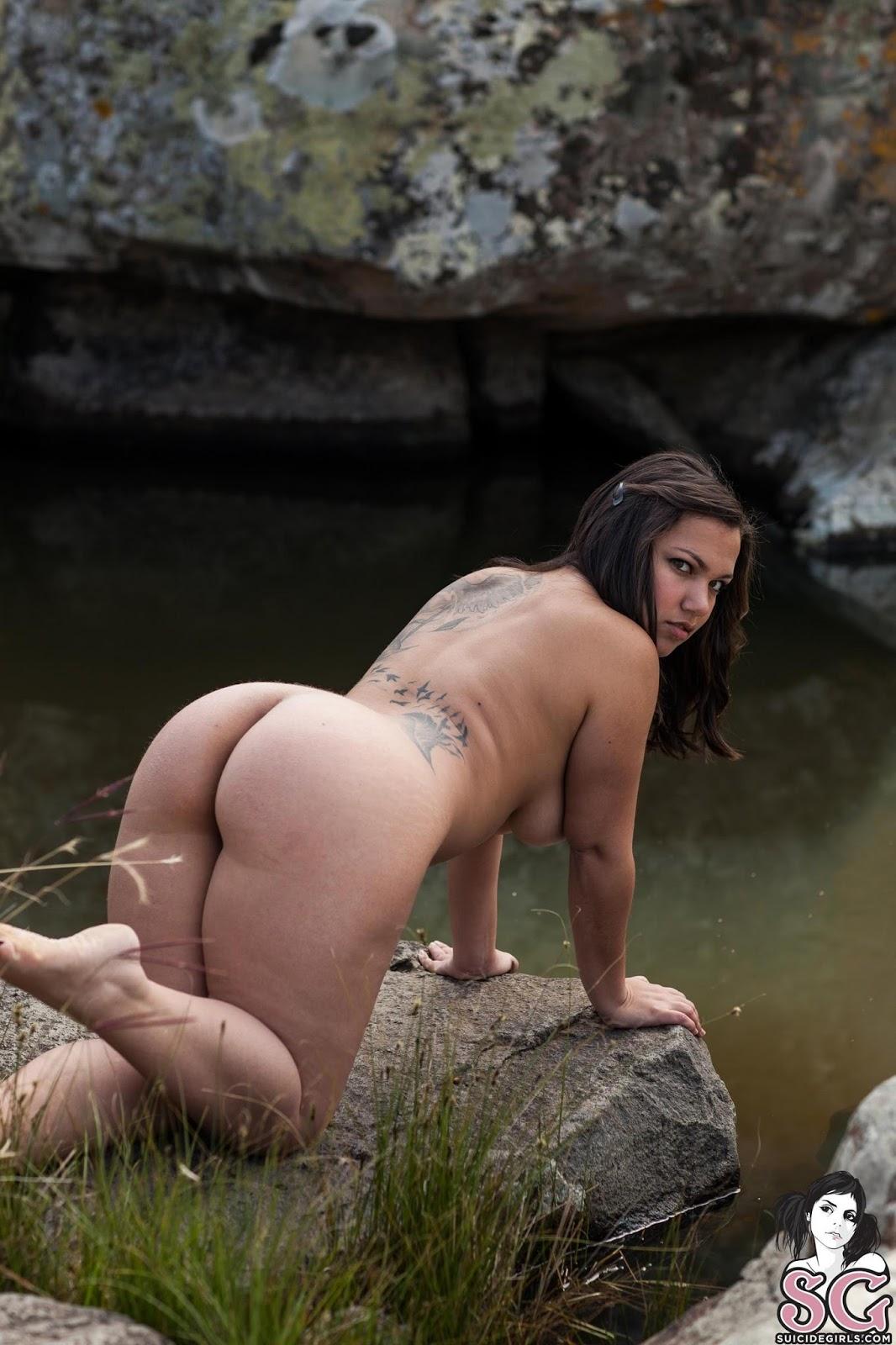 16 Nude Photo