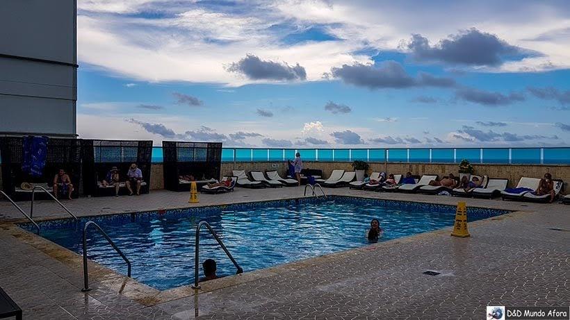 piscina do Hotel Cartagena Plaza - Diário de bordo: 4 dias em Cartagena, Colômbia